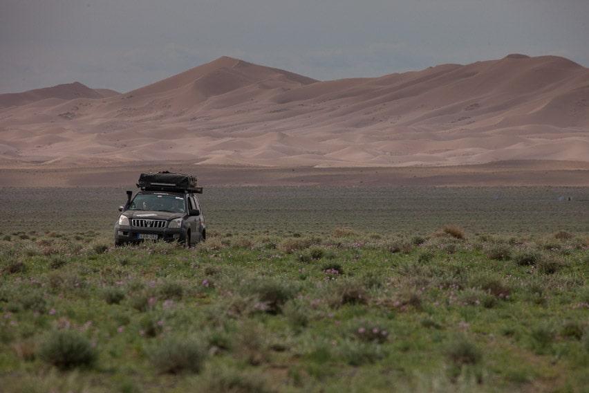 overlanding to the gobi desert mongolia