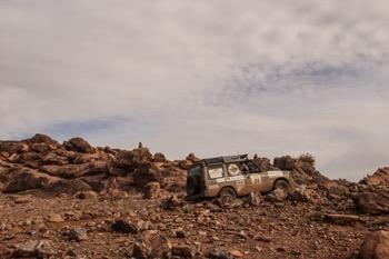 mud terrain versus all terrain tires for rock crawling