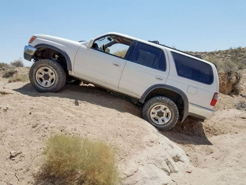 how to get a car unstuck if bottomed out