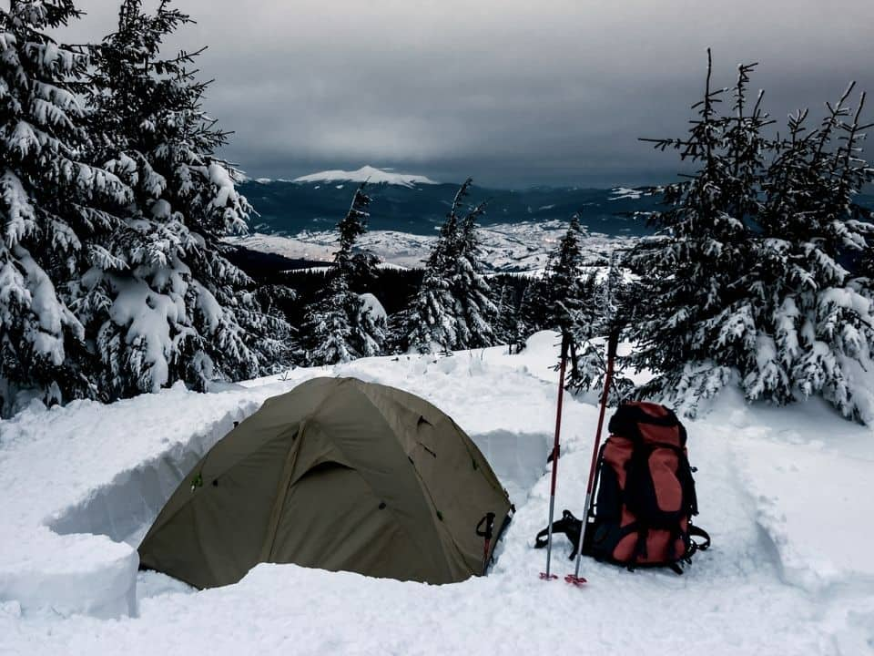 How to insulate the tent for cold weather